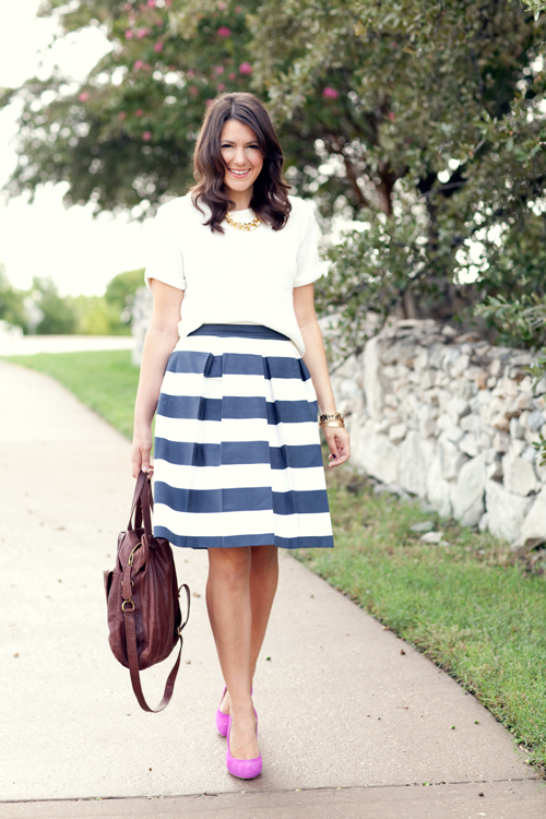 Si hay una bloggera que me parece 100% inspiradora. Algo que me gusta mucho son los looks con inspiración marinera.