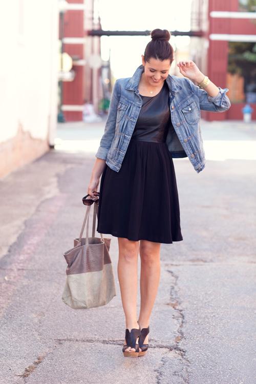 Me gustan las faldas algo más arriba de la rodilla. No me siento cómoda con las faldas cortas.