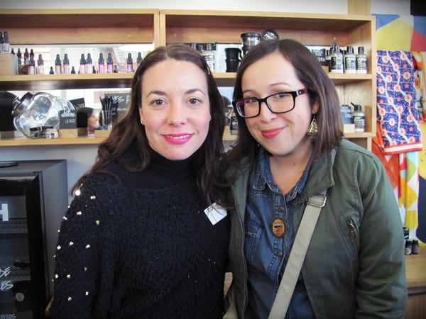 Junto a Mara; un honor conocerla muy energética y llevaba estupendamente el taller ¡un gustazo!