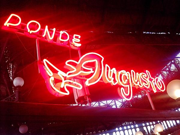 """7. Este fin de semana mis suegros estuvieron de visita, aprovechamos de ir al Mercado Central, y almorzamos en el típico y famoso """"Donde Augusto"""". Mi congrio a lo pobre estuvo exquisito."""