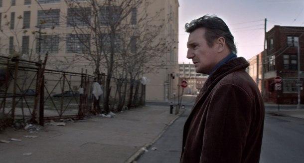 Caminando-entre-tumbas-Liam-Neeson