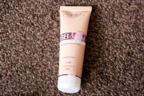 BB cream de L'Oreal (crema extraordinaria 5 en1)