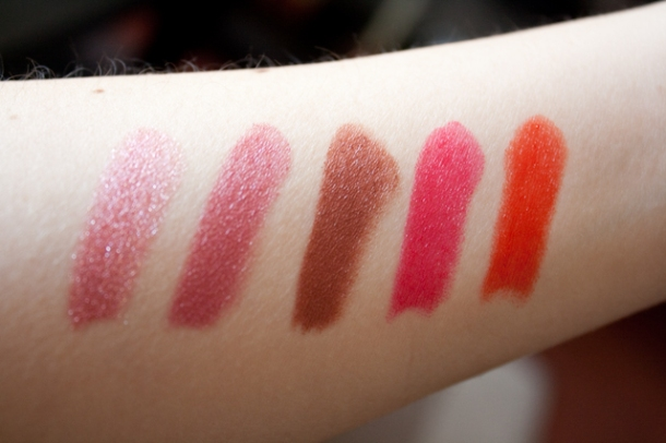 Y... los swatches (de izq. a der.): Mauve, Trendy Rose, Toffee, Watermelon y Orange.