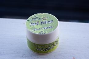 "Exfoliante de labios ""Pout polish"" sabor piña colada de BombCosmetics"