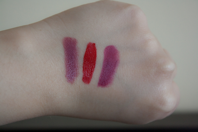 Swatches (izq. a der.): Rapture, Always Red y Candelit.