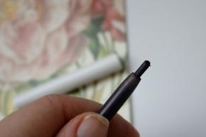 """""""No Shame"""" cream gel pencil de ColourPop"""