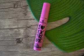 I love extreme (crazy volume mascara) – Essence